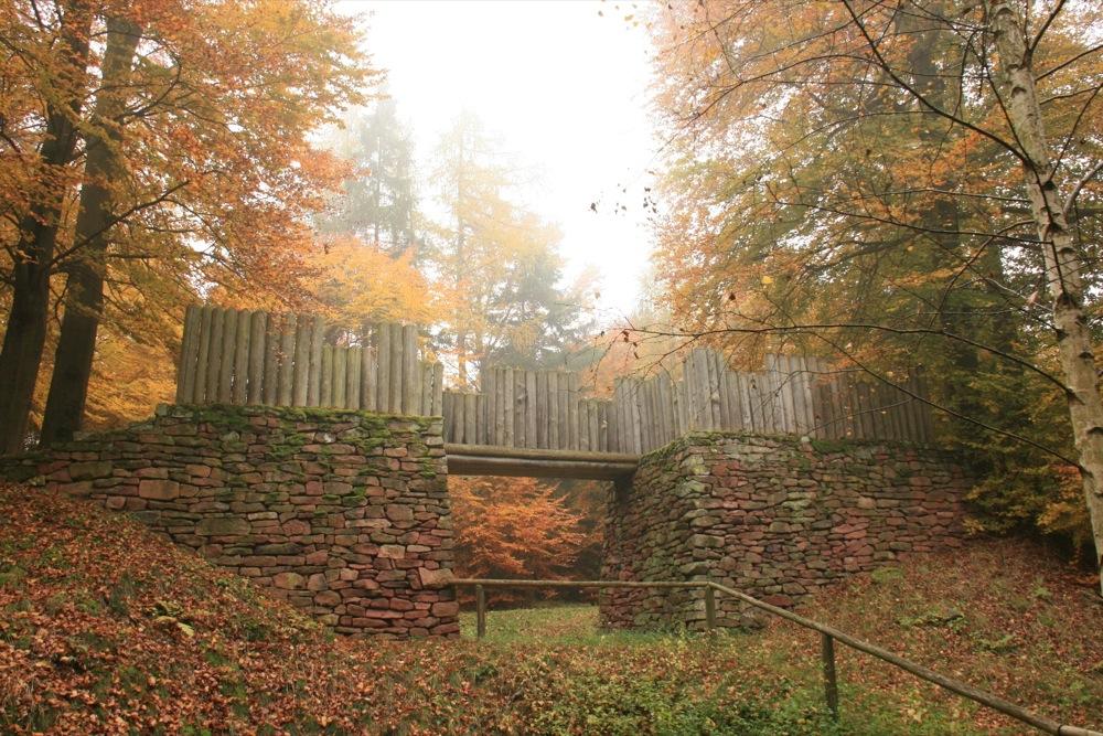 Praehistorischer-Ringwall.jpg