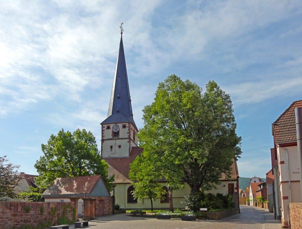 buergstadt_alte_kirche-1030x782-1.jpg