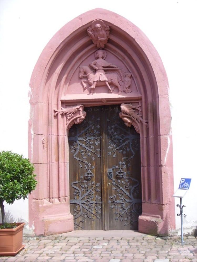 buergstadt_martinskapelle_portal.jpg