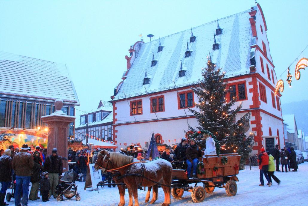 buergstadt_rathaus-1030x687-1.jpg