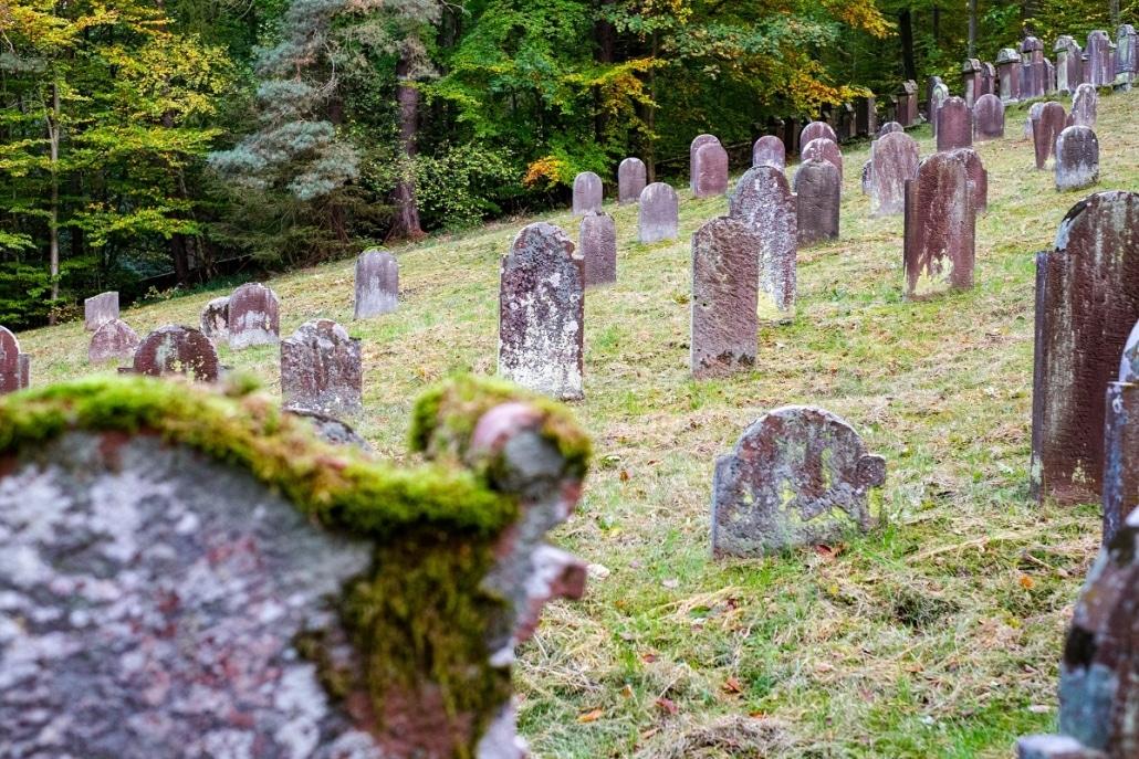 Axel-Sartorius_Juedischer-Friedhof-Kleinheubach-web-1030x687-2.jpg