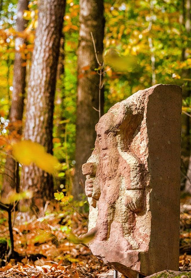 Odenwald-Nibelungensteig-Buergstadt-Sandsteinskulpturen-25Okt2020-1-22.jpg