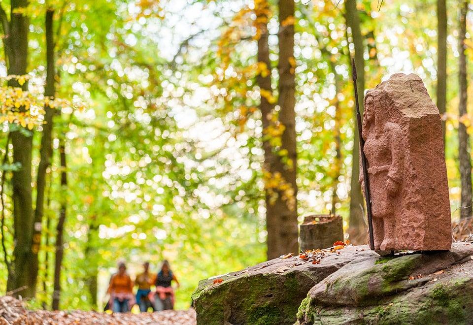 Odenwald-Nibelungensteig-Buergstadt-Sandsteinskulpturen-25Okt2020-1-70.jpg