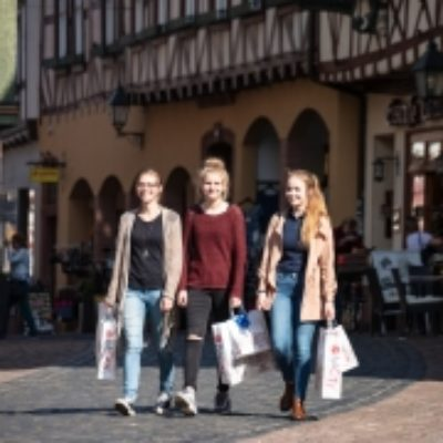 DREI-AM-MAIN-Miltenberg-Shopping-lV-©-Holger-Leue-180x180